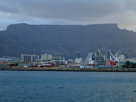 CT Harbour with Table Mountain